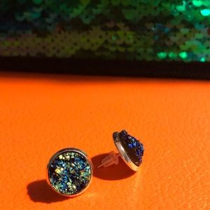 Jewelry - Turquoise blue agate druzy and silver earrings